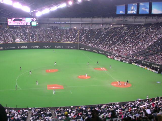 札幌ドームに来ました。